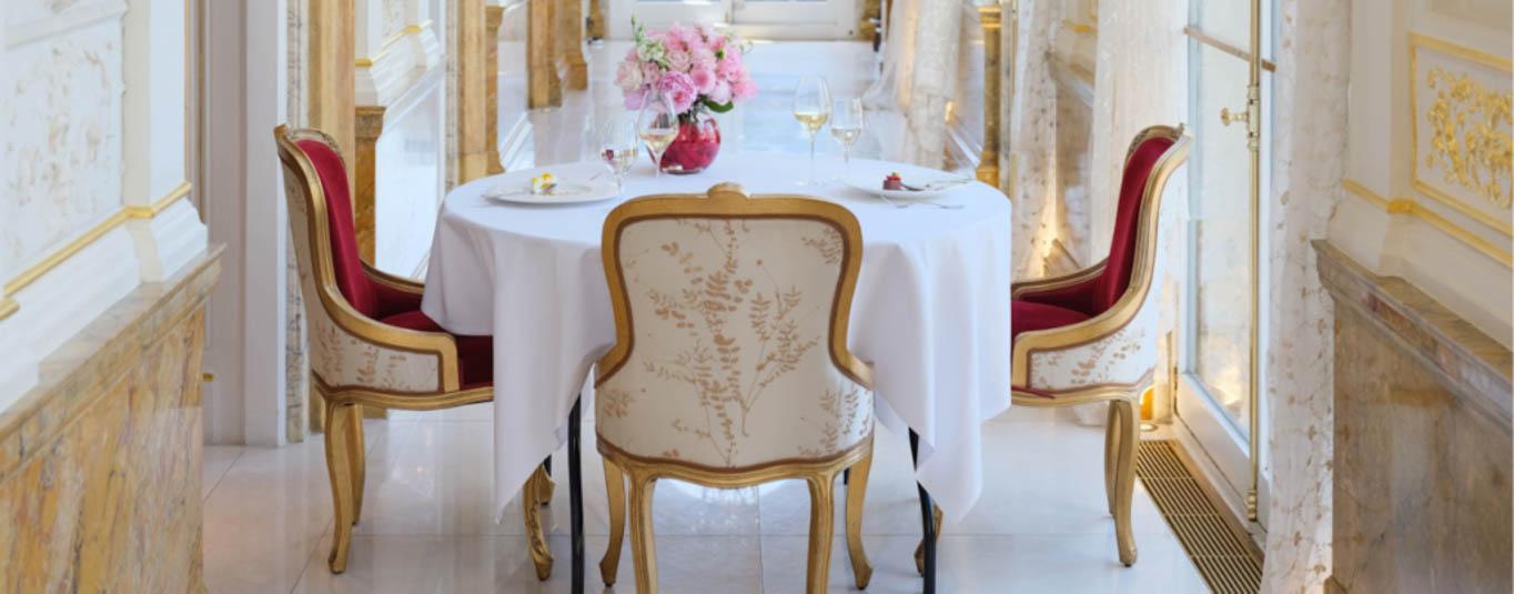 ine Dining - Les Ambassadeurs